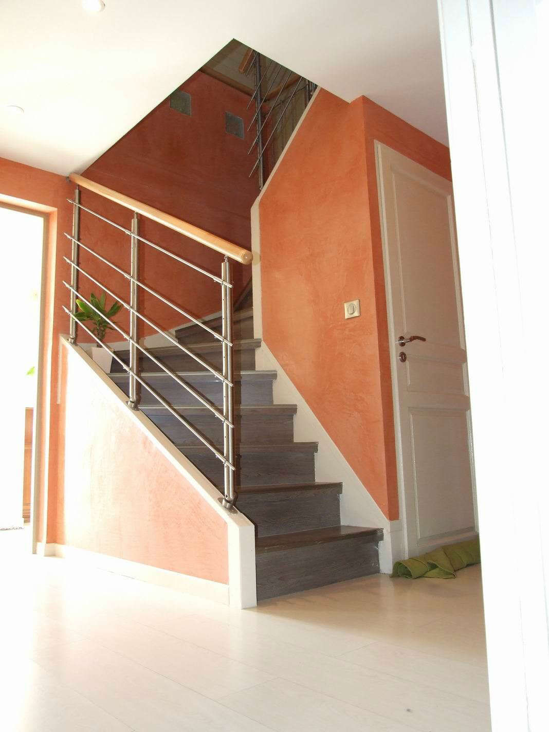 Habillage escalier troyes maytop iso 10 vernis bois for Habillage fenetre pvc renovation